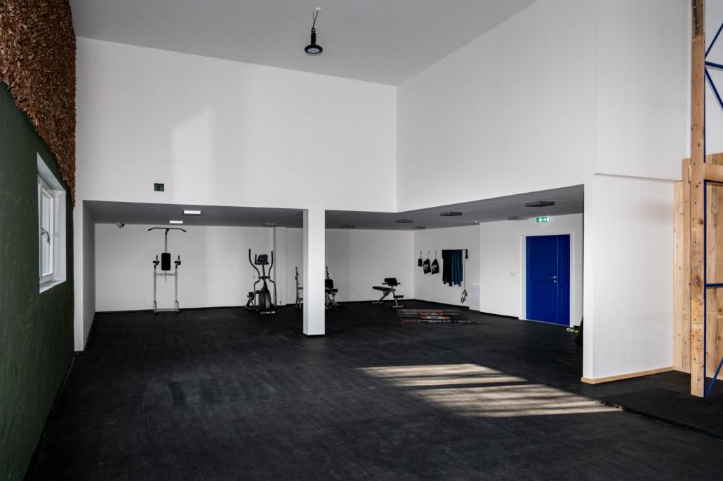 Ausstattung Trainingszentrum | Trainingsaal - Aufwärmbereich | Act & Respond GmbH