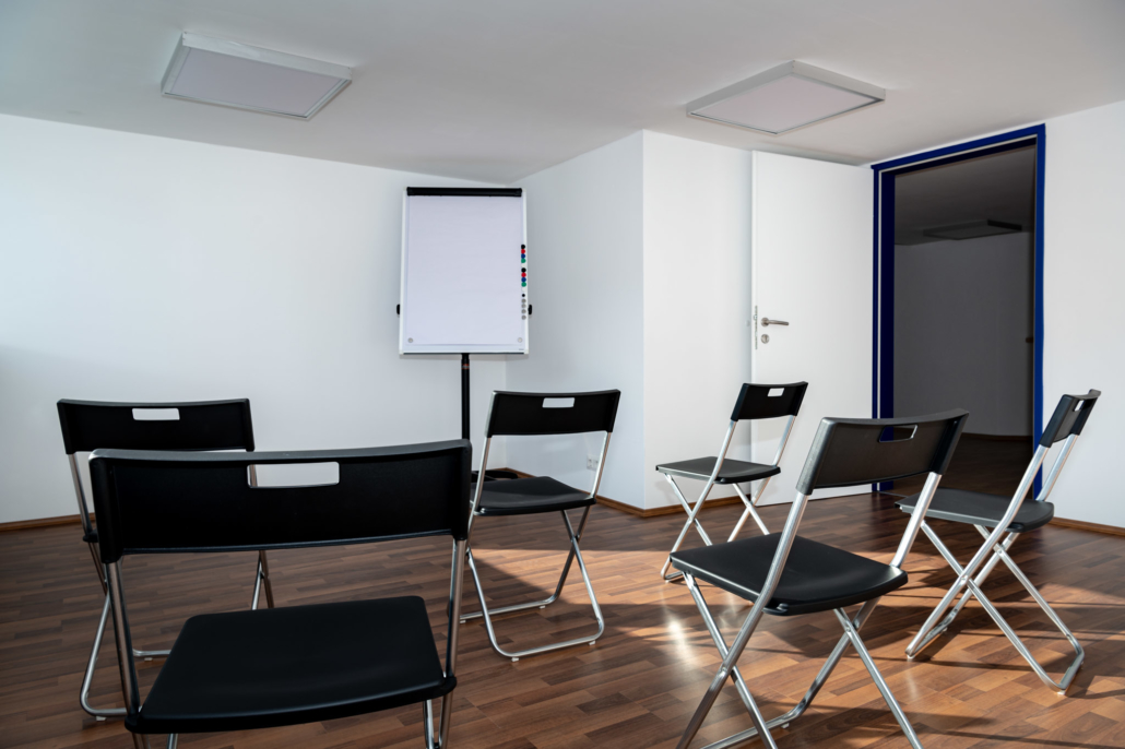 Ausstattung Trainingszentrum |Seminarraum 2 | Act & Respond GmbH