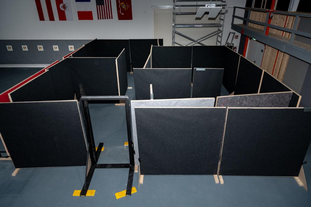 Ausstattung Trainingszentrum | Mobiles Shoothouse mit Breach-Door | Act & Respond GmbH
